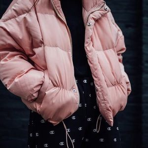 PINK UNIF PUFFER JACKET SIZE: SMALL